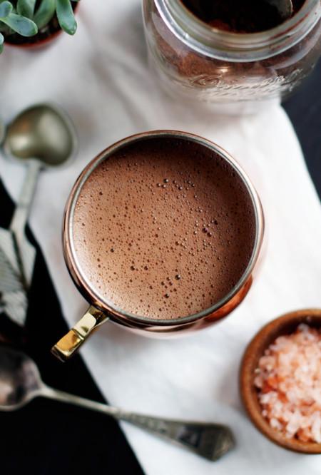 Веганский шоколад с гималайской солью. Полезный завтрак.