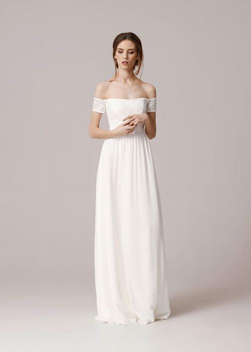 Свадебное платье с открытыми плечами. Свадебная мода 2016.