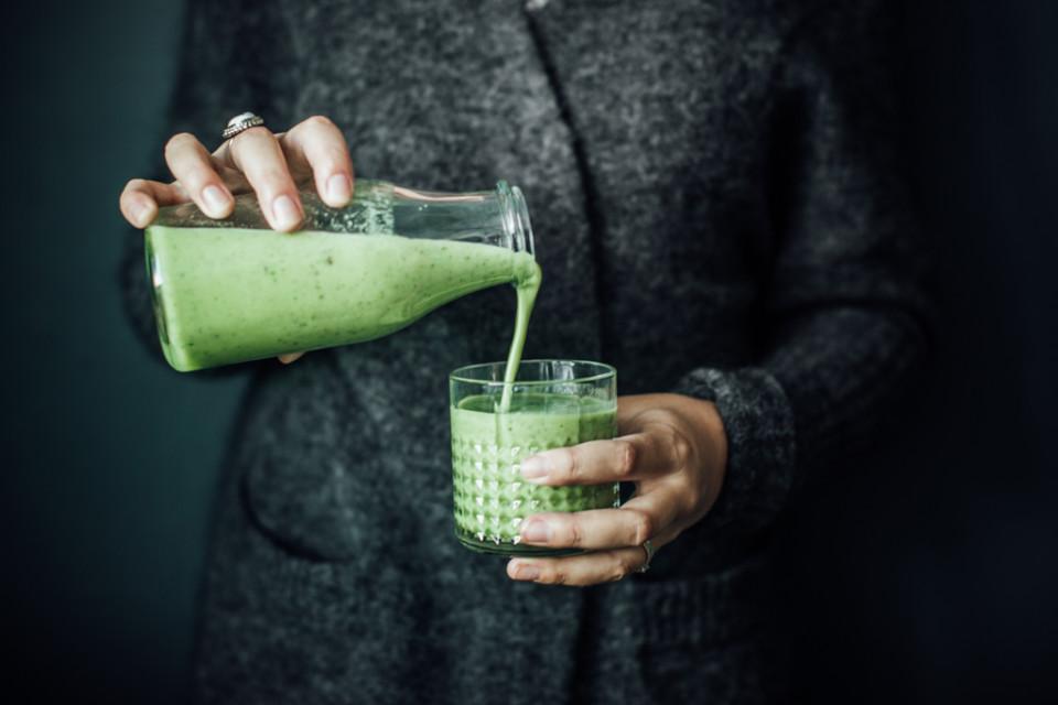 Зеленый смузи на завтрак. Детокс-диета.