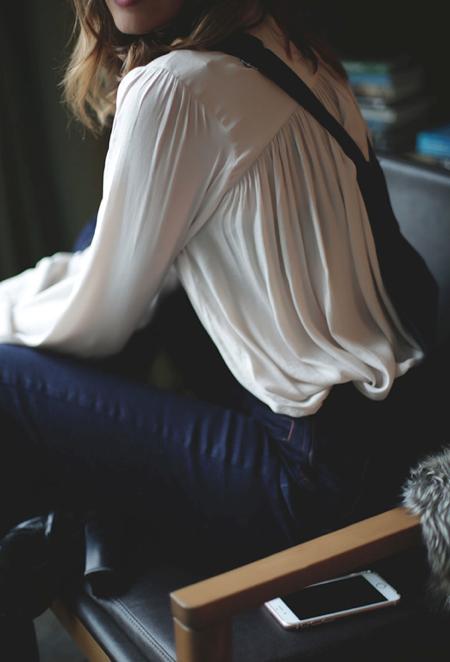 Белая блузка. Выглядеть дорого не тратя много.