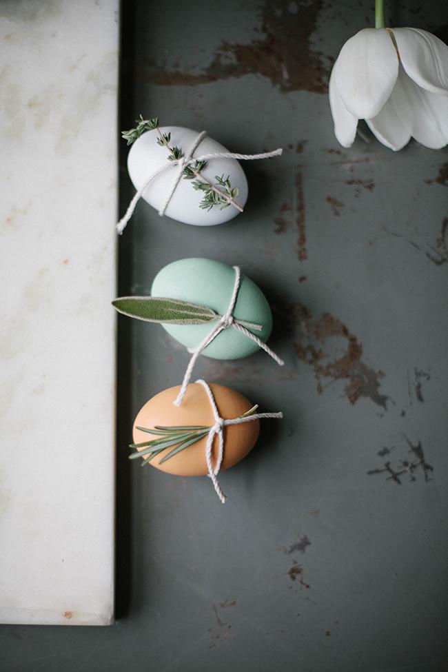 Декор к пасхе. Пасхальные яйца с пряными травами. Идеи для пасхи.