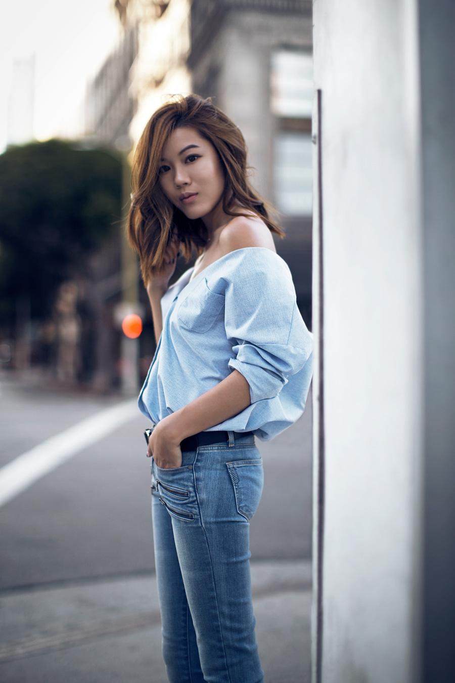 Голубая рубашка  8 идей от топовых fashion-блогеров – Woman Delice 0b73766472fe7