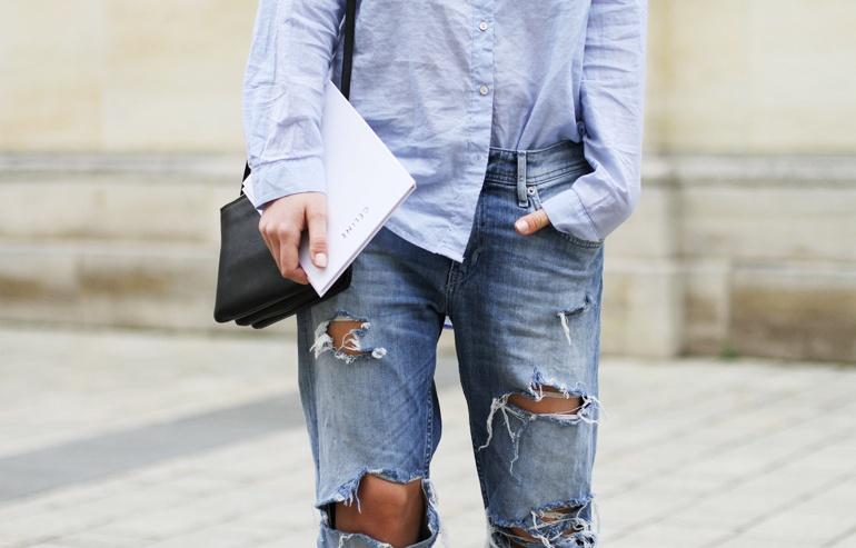 Голубая рубашка, джинсы бойфренда. Blue shirt, boyfriend's jeans.