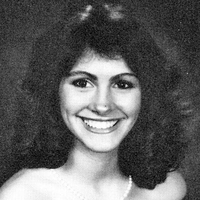 Джулия Робертс. 1985 г. Выпускной балл в Campbell High School.