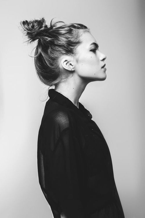 messy top knot