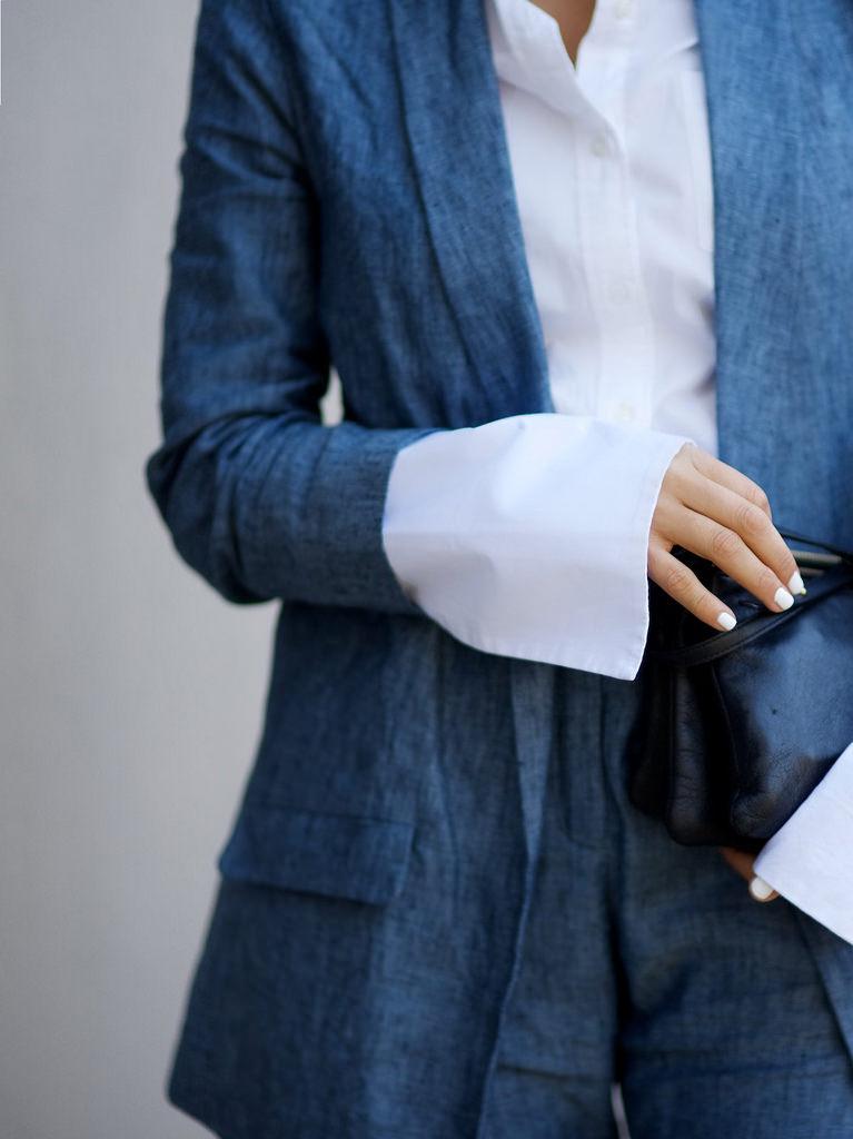 Блузка с широкими манжетами своими руками