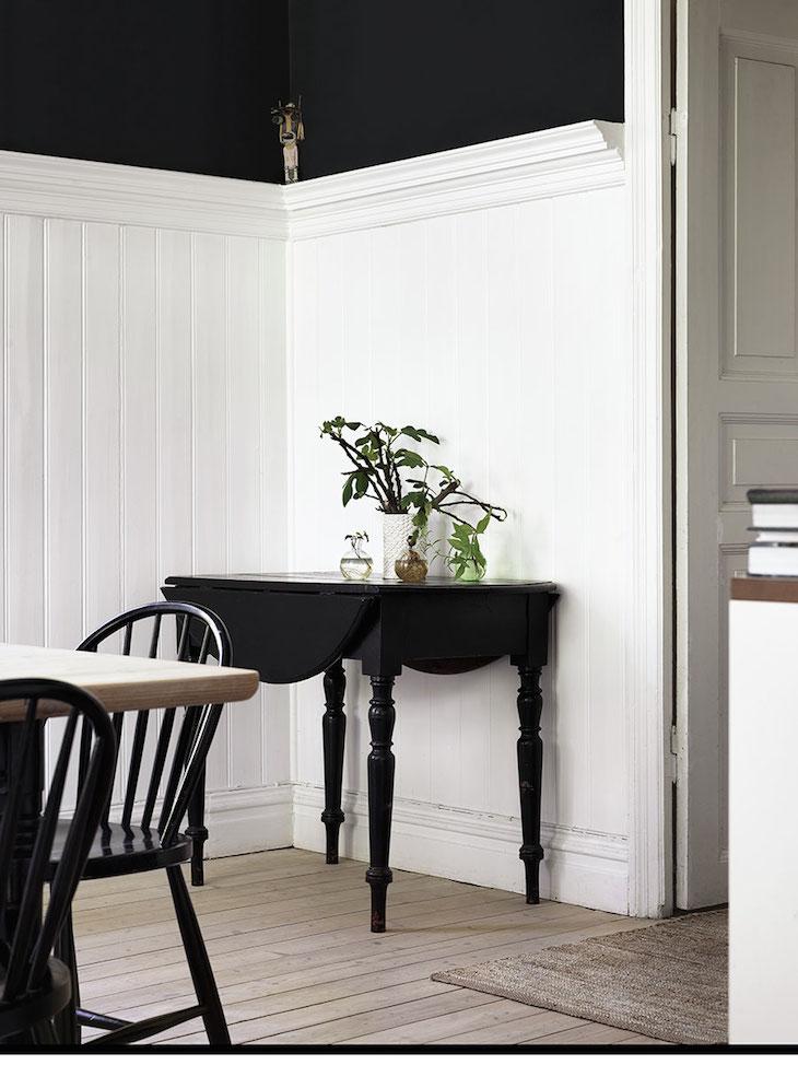 Scandinavian chic. Simple decoration.