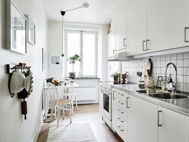 Скандинавская кухня. Белая кухня. Маленькая кухня. Декор.