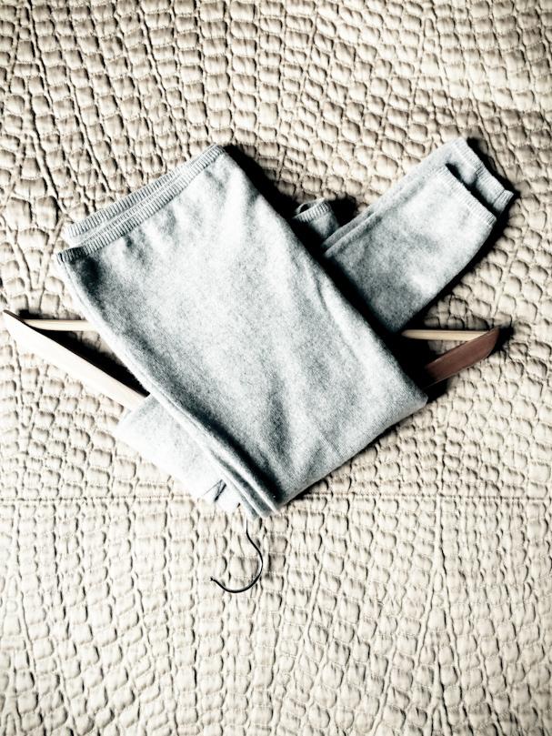 как хранить трикотаж на вешалке