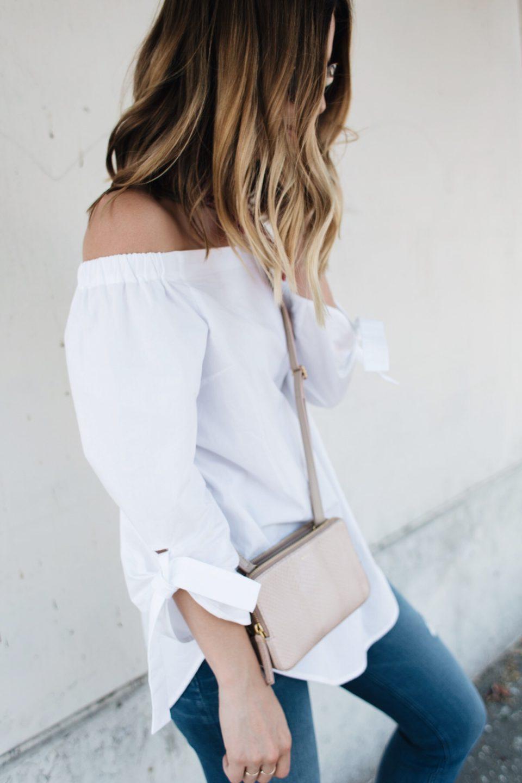 off-the-shoulder top, jeans, travel style, топб джинсыб стиль в дорогу