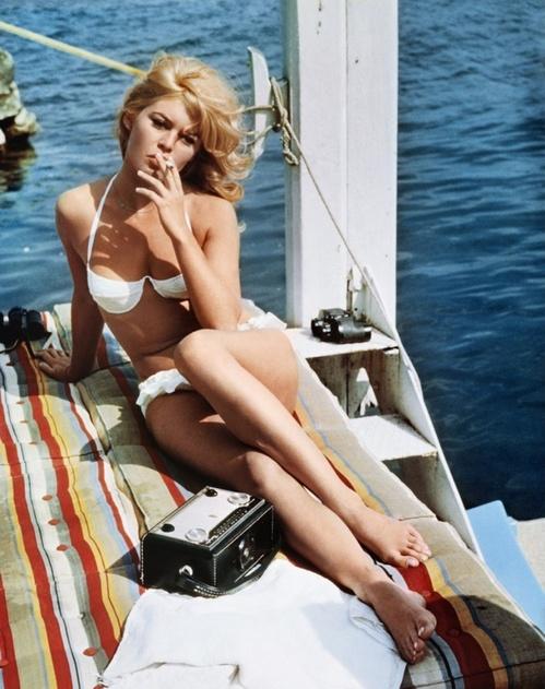 Бриджит Бардо, белый купальник, бикини, винтаж