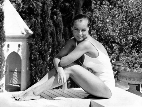 роми шнайдер, белый купальник, совместный купальник, винтажный купальник