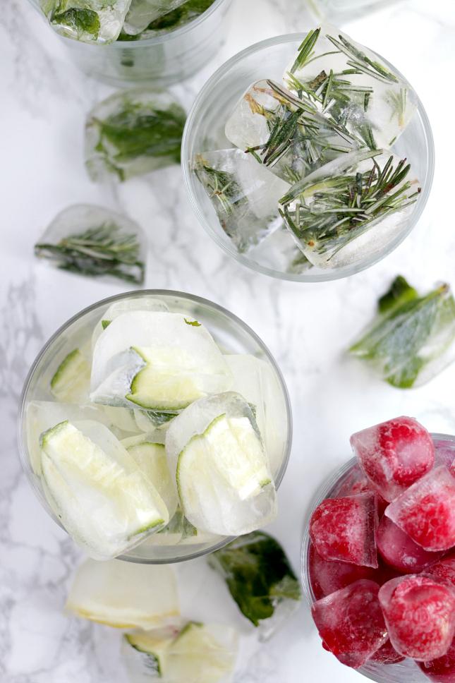кубики из льда, освежающие напитки, летние напитки, аперитив