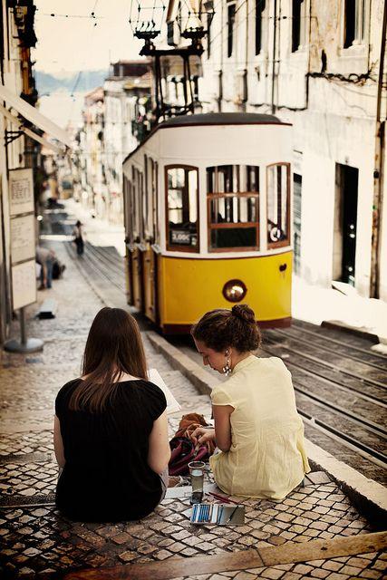 подруги, трамвай, прогулка, friends, girls