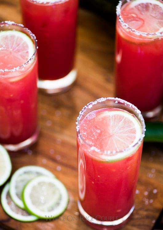 арбузный сок в арбузе, маргарита в арбузе