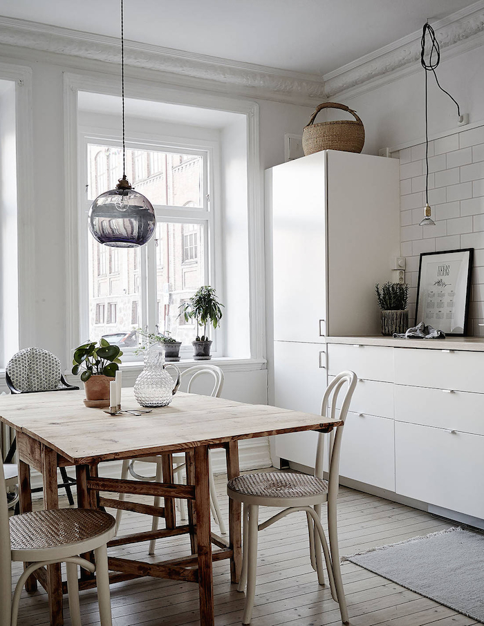 kitchen-dining-swedish-apartment