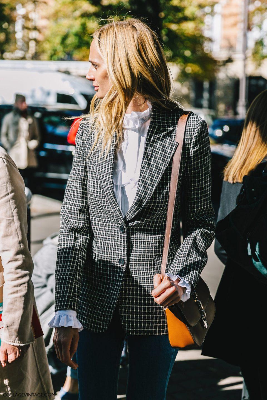 пиджак в клетку, блузка, воротник-стойка