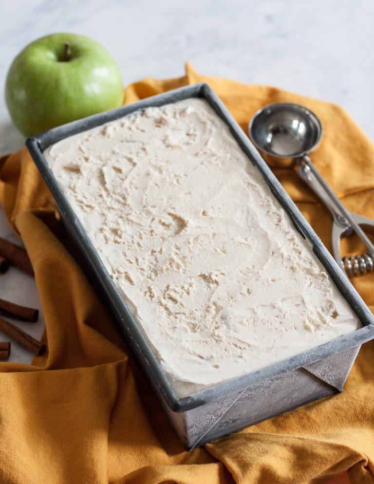 домашнее мороженое, яблоко-корица