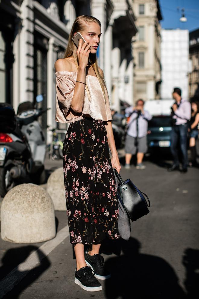 floral print outfit, trends 2017, юбка с цветочным принтом, тренды 2017