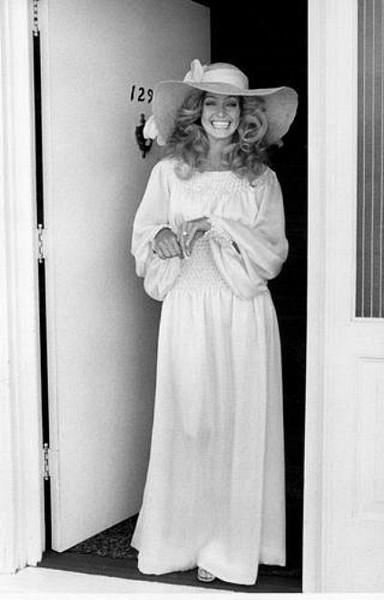 1973-farrah-fawcett