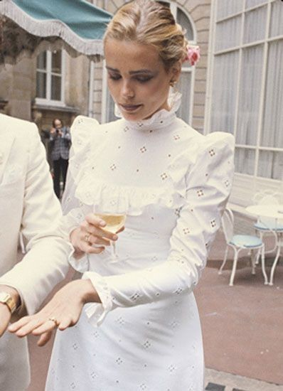 1975-marguex-hemingway