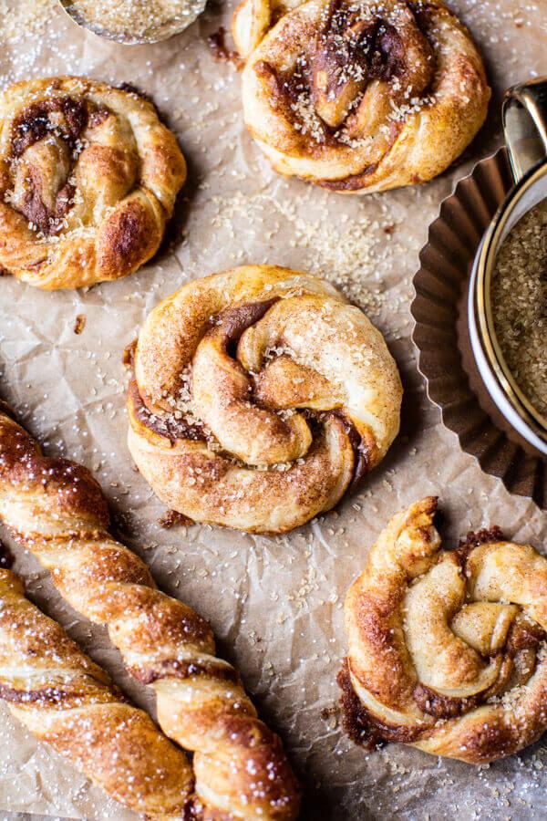 Быстрая выпечка: датские вертушки. Слоеное тесто, очень простой рецепт.