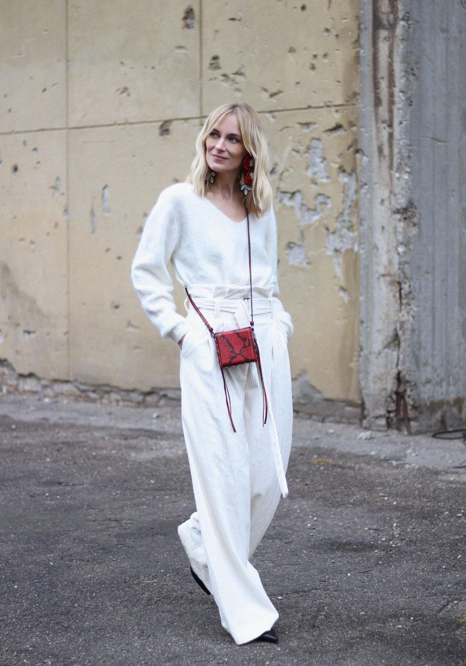 Белые вельветовые брюки, белый кашемир