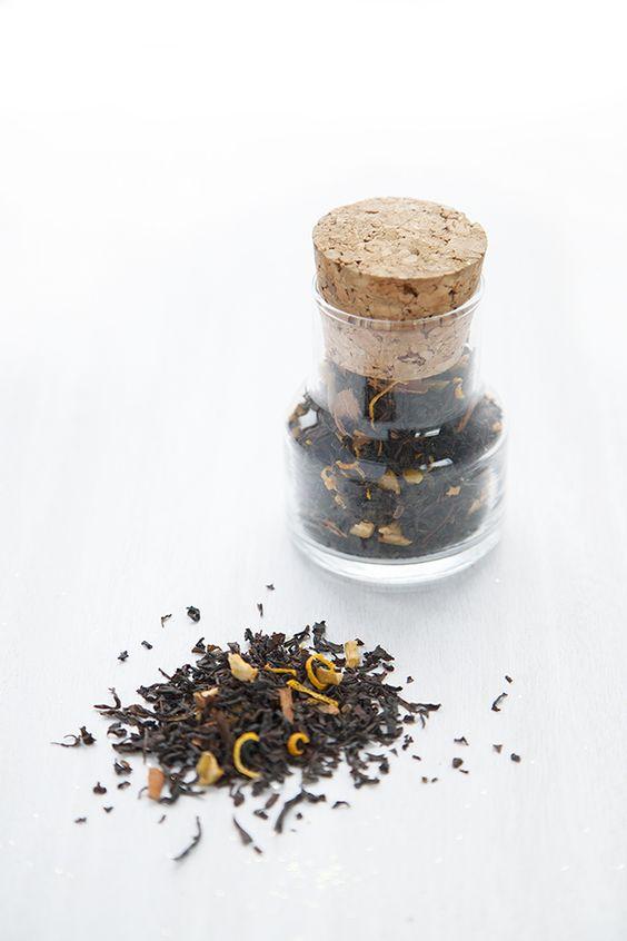 Рождественский хэндмейд чай с имбирем и цедрой: простой рецепт, неповторимый аромат.