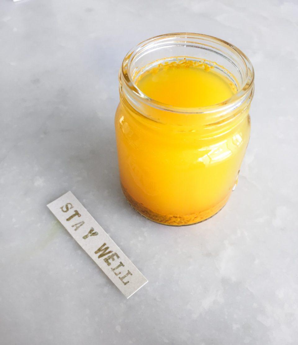 Витаминный коктейль для иммунитета: шот с имбирем, куркумой и яблочным уксусом