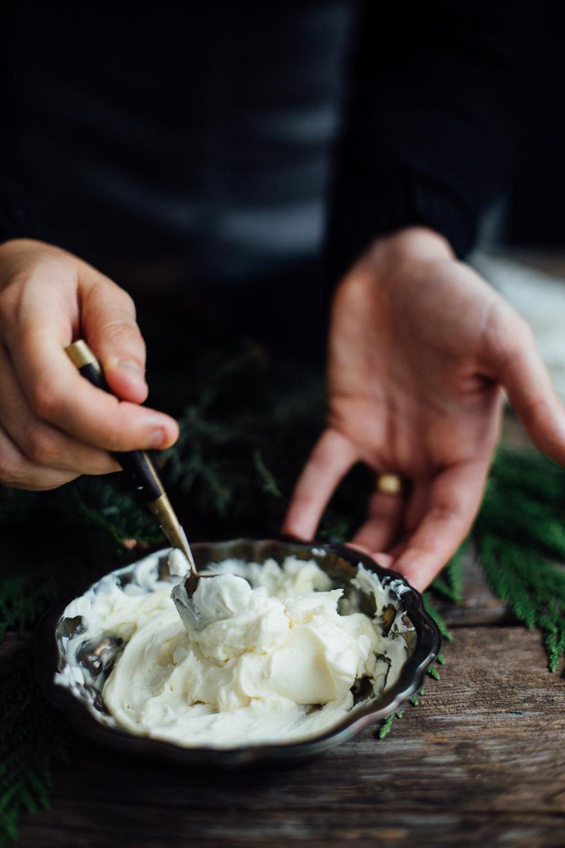 Легкий десерт из зимних груш, простой рецепт