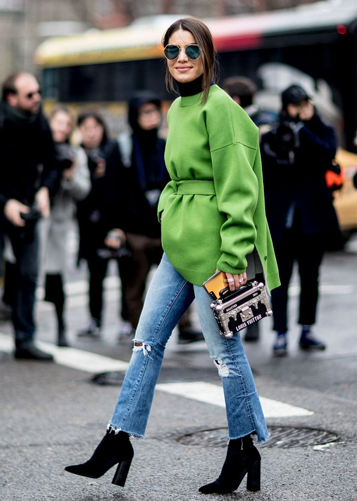 green color outfit, cropped jeans, new york street style, spring-summer 2017