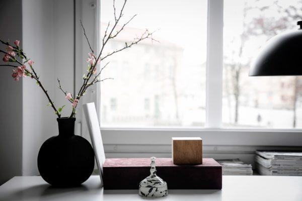 Простые вещи: 16 минималистичных цветочных композиций для этой весны