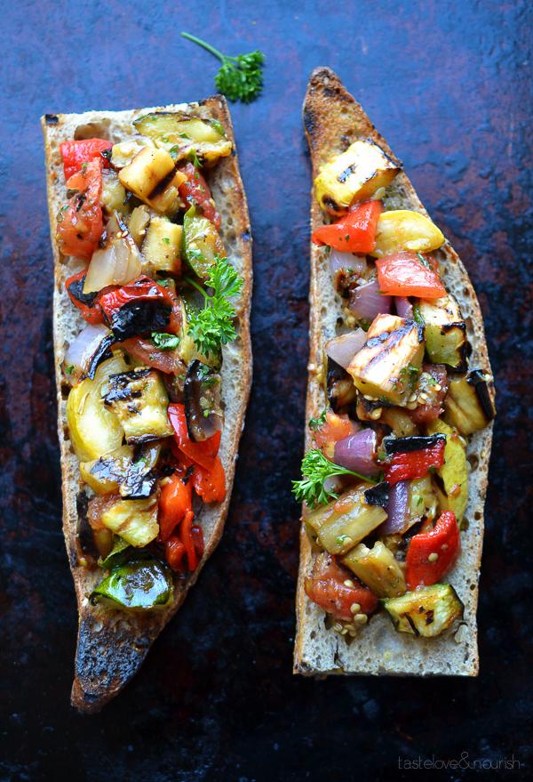 брускетта с овощами