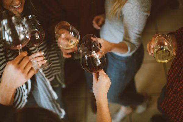 Уроки хорошего вкуса от Kate Spade: как устроить идеальную вечеринку