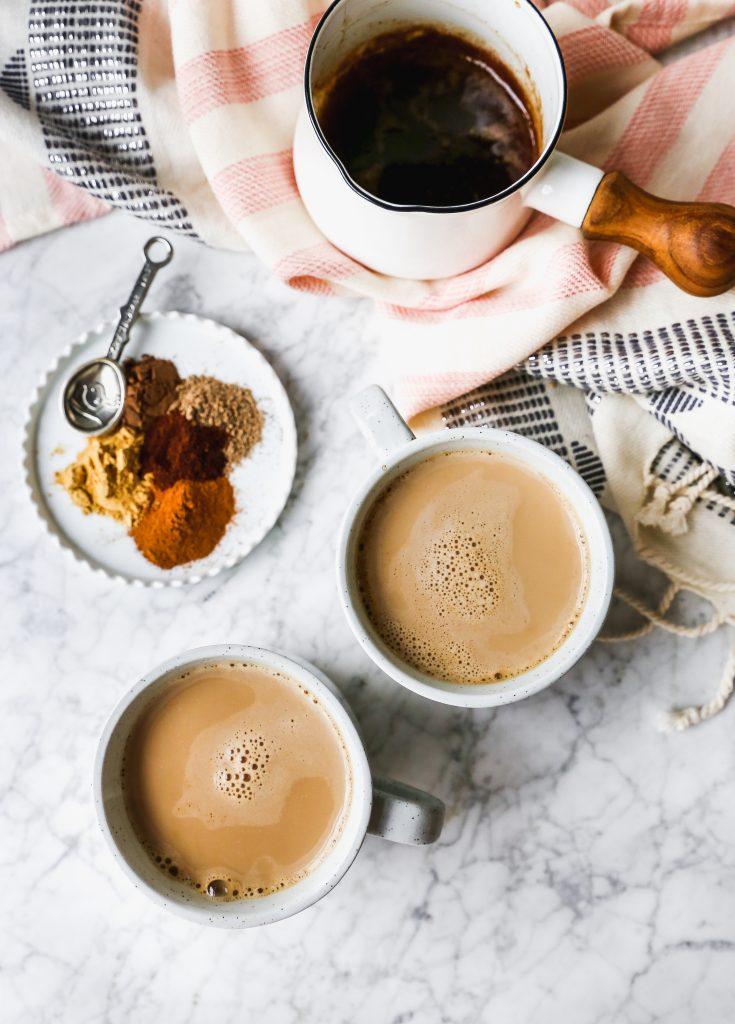 домашний чай-латте со специями от простуды