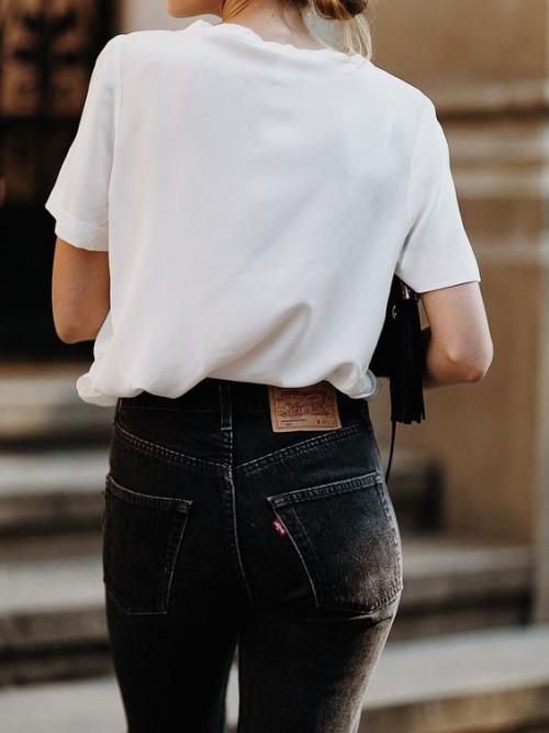предметы базового гардероба, белая футболка