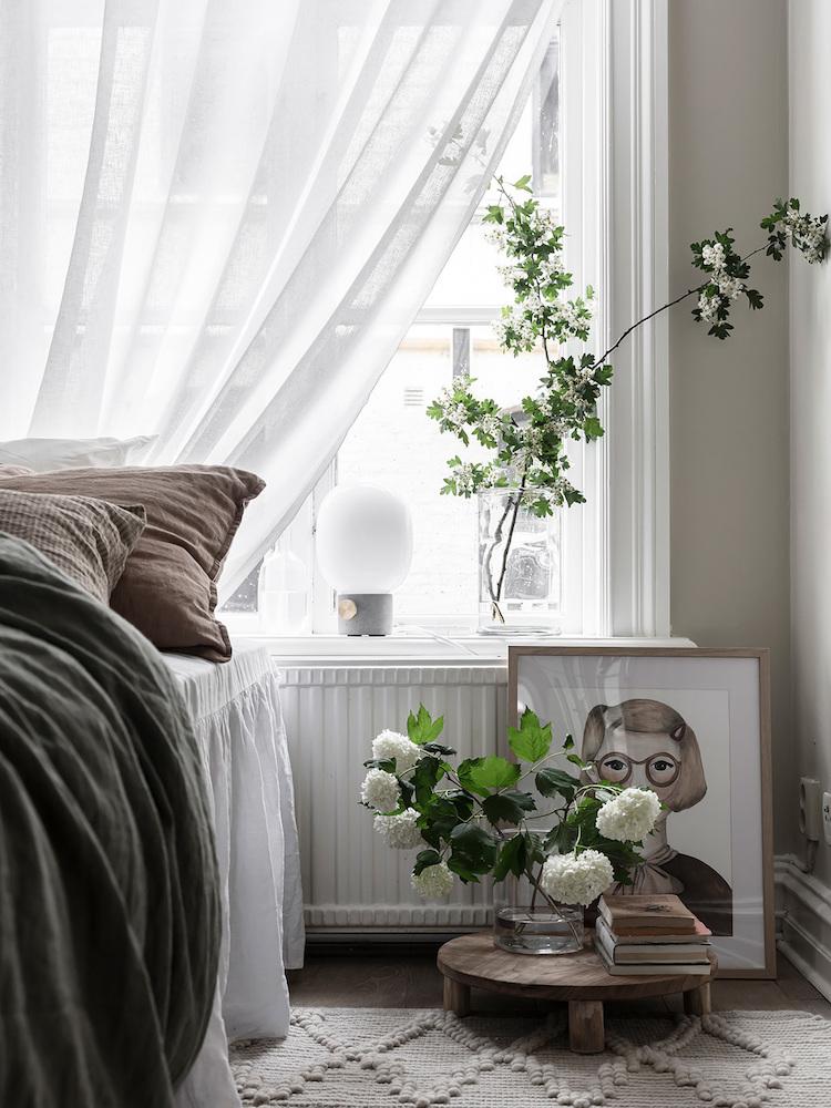 Блогер из Швеции о том, как сделать уютной маленькую спальню